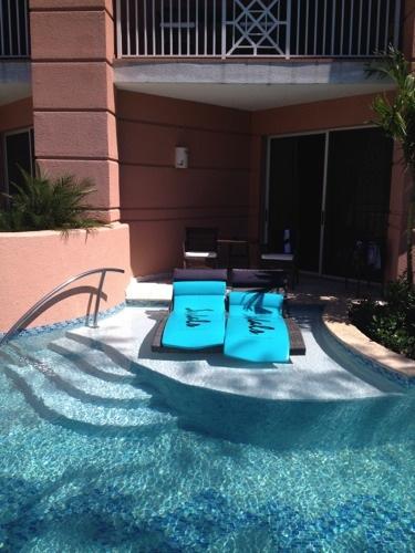 Sandals Royal Bahamian swim up suite3