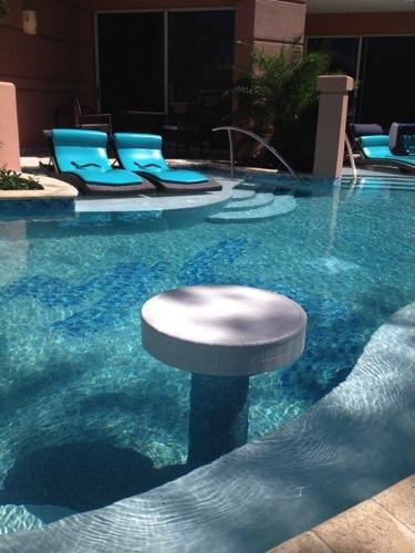 Sandals Royal Bahamian swim up suite2
