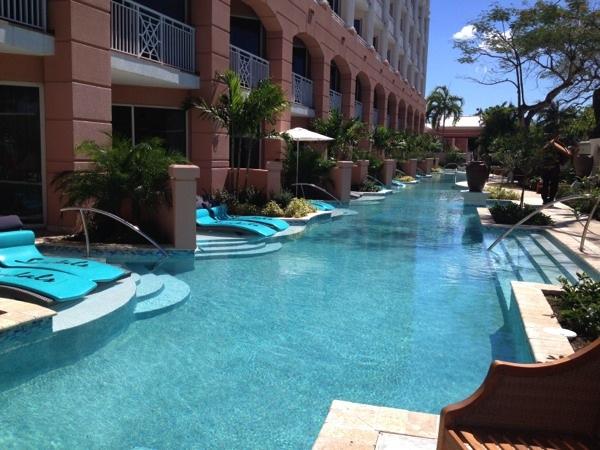 Sandals Royal Bahamian swim up suite1
