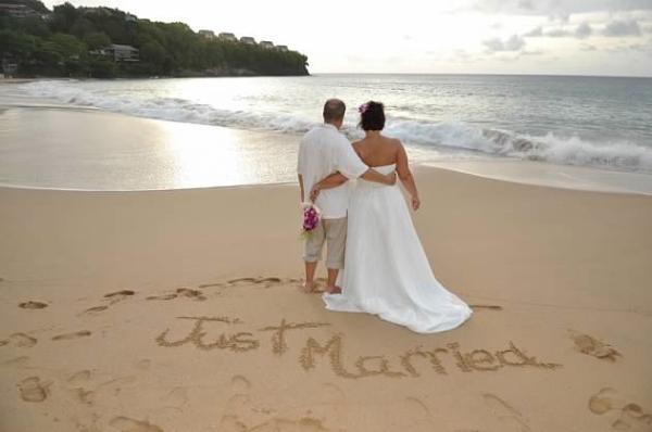 Real Destination Wedding JJ9 resized 600